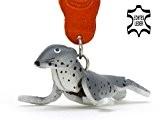 Robbe Robby - kleiner Robben Schlüssel-Anhänger aus Leder, eine tolle Geschenk-Idee für Frauen und Männer im Robben-Zubehör, Flossenfuesser, Wasser-Raubtiere, Seehund, ...